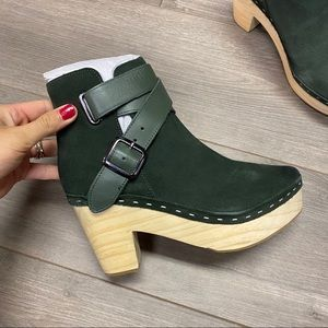 Free People | Bungalow Clog Boots Green Size 7 NIB